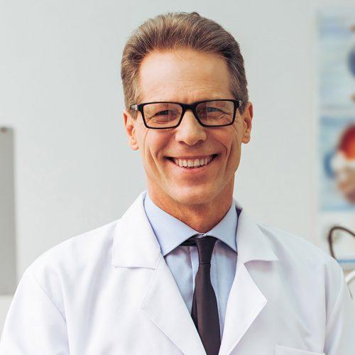 Dr. Ruben Fernandez
